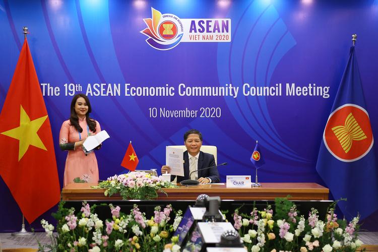 Bộ trưởng Trần Tuấn Anh chủ trì Hội nghị Hội đồng Cộng đồng Kinh tế ASEAN